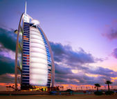 DUBAI, UAE - NOVEMBER 27: Burj Al Arab hotel on NOVEMBER 27, 201 — Stock Photo