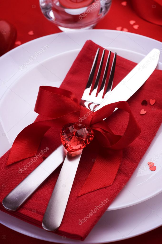 Romantic Dinner. Table place setting for Valentines Day ...