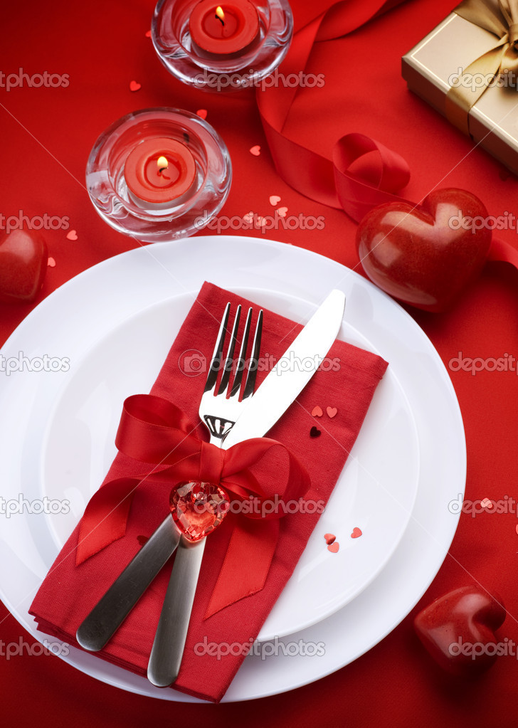 Romantic Dinner. Table place setting for Valentine's Day — Stock Photo #10677197