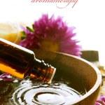 Aromatherapy. Essential Oil Isolated On White. Spa Treatment — Stock Photo