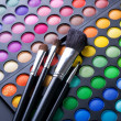 Makeup Brushes And Make-up Eye Shadows — Foto Stock