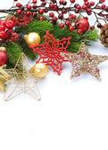 Julgranskulor över vita — Stockfoto