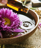 Aromatherapy. Essential Oil. Spa And Beauty Treatment — Stock Photo