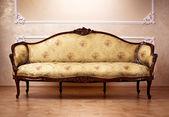 Luxe interieur. gebeeldhouwd meubilair — Stockfoto