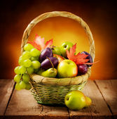 Organic ripe fruits — Stock Photo