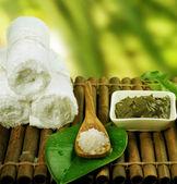 Spa Treatment. Mud Mask and Sea Salt — Stock Photo