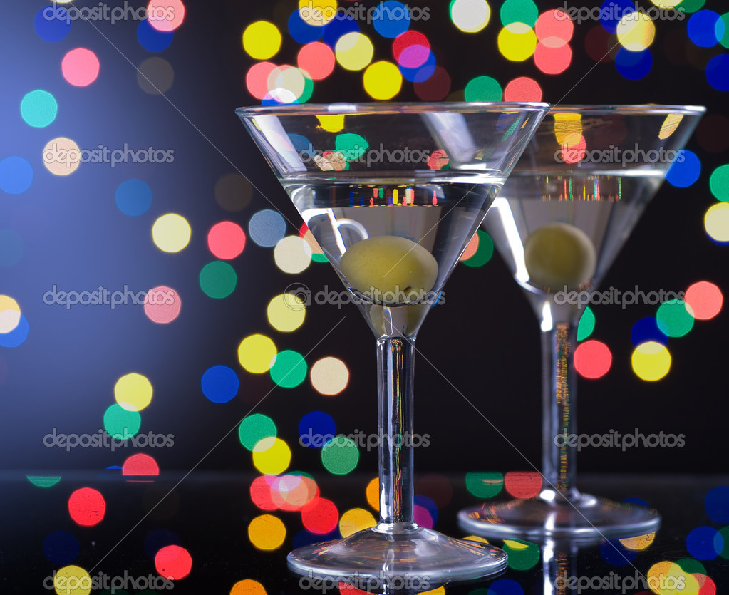 Martini Cocktail With Olive — Stock Photo #10680599