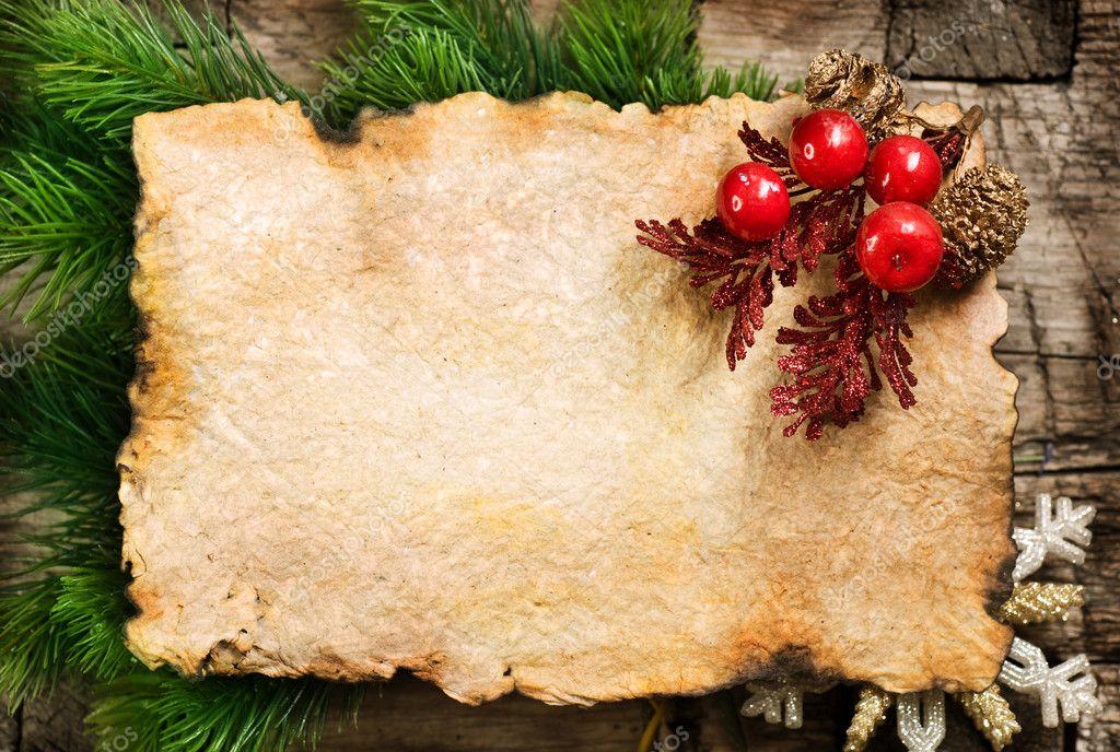 Fond de Noël. feuille de papier vierge vieux avec décoration ...
