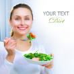 dietu. zdravá mladá žena jíst zeleninový salát. co ztráta hmotnosti — Stock fotografie