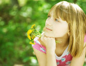 Smiling Little Girl Outdoor — Stockfoto