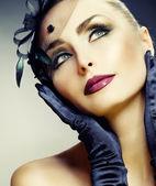 Krásná mladá žena portrét. vintage stylu — Stock fotografie