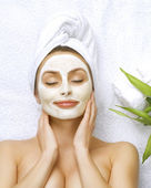 Spa Woman Applying Facial Cleansing Mask — Stock Photo