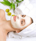 Beauty in Spa. Clay Facial Mask. Dayspa — Stock Photo