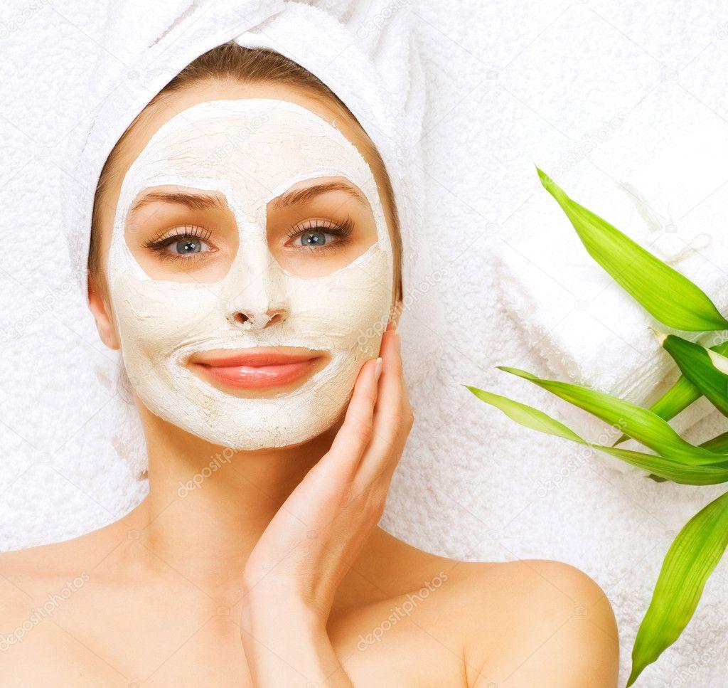 Как сделать себе маску для лица в домашних условиях