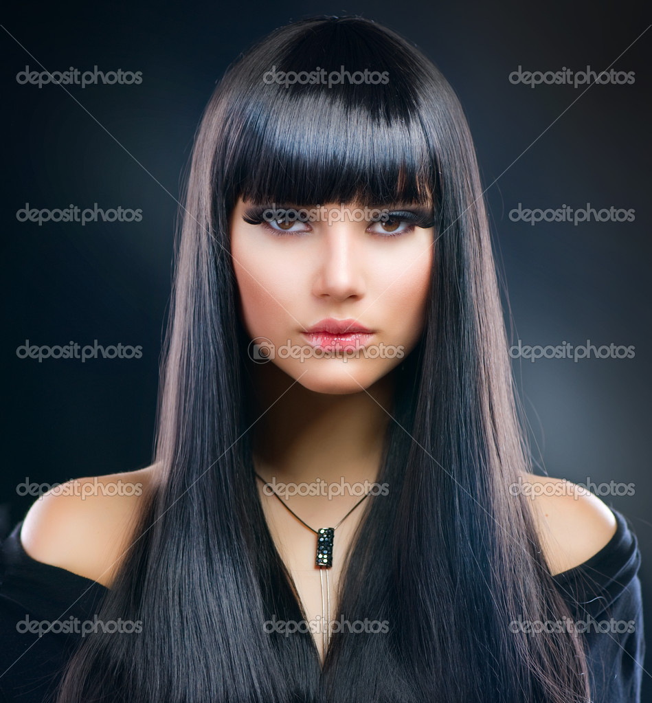 Beautiful Brunette Girl. Healthy Long Hair  Stockfoto #9529866