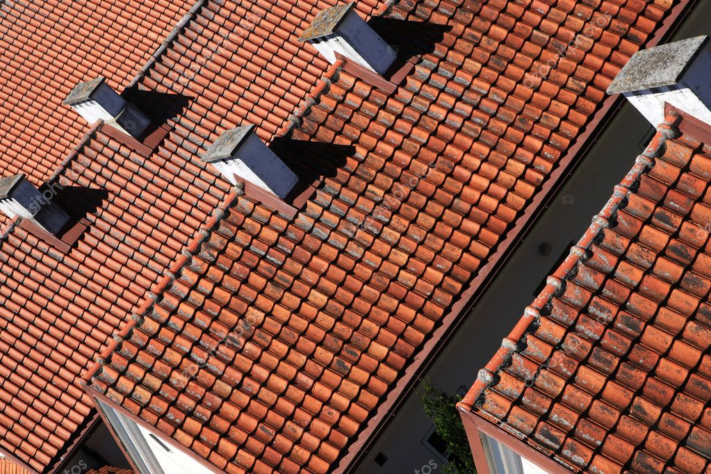 Ceramic roof painted in red color — Stock Photo #9617633