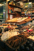 Nuts on the old bazaar in Barcelona, Spain — Stockfoto