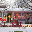 Xmas Bungalow — Stock Photo