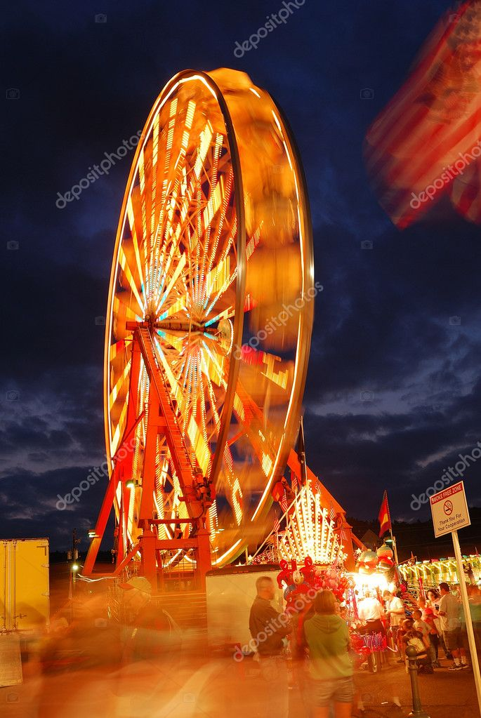 Part of the midway at the 2009 Douglas County Fair in Roseburg Oregon at night. — Stock Photo #10716990