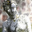 A beautiful statue in the garden — Stock Photo