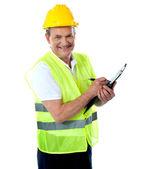 Szczęśliwy budowlane starszy inżynier — Zdjęcie stockowe