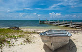 ケイマン諸島のボートし、ドック — ストック写真