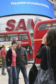 Tourists in Piccadilly Circus, 2010 — Stock Photo