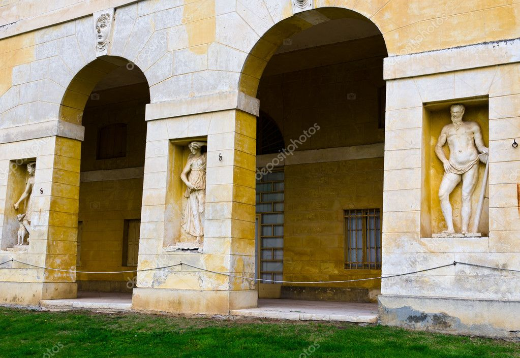 Villa Barbaro is one of the many splendid villas built by Palladio.Located in the town of Maser amid the hills of Treviso. — Stock Photo #10356479