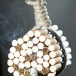 Hang himself with cigarettes - Foto de Stock