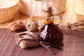 Vanilla extract and beans — Stock Photo