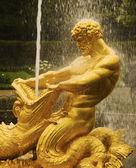 Golden fountain — Stock Photo