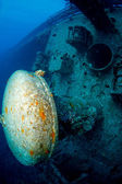 Interesting part of a shipwreck underwater — Stock Photo
