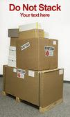 Não empilhe caixas verticais — Foto Stock