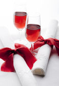 Glasses of red wine with napkins — Stock Photo