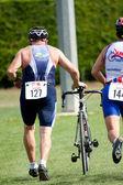 Starszy konkurenta, triathlon — Zdjęcie stockowe
