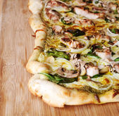 Pesto pizza — Stock Photo