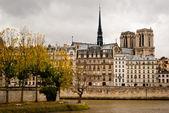 Widok paryża od sekwany — Zdjęcie stockowe