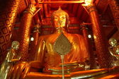 Golden Budda in Ayuthaya — Stock Photo