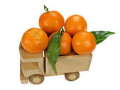 Autko z mandarynki — Zdjęcie stockowe