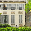 Classic french house in Paris — Stock Photo