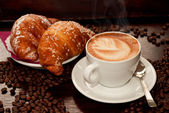 Brioches e cappuccino — Stock Photo