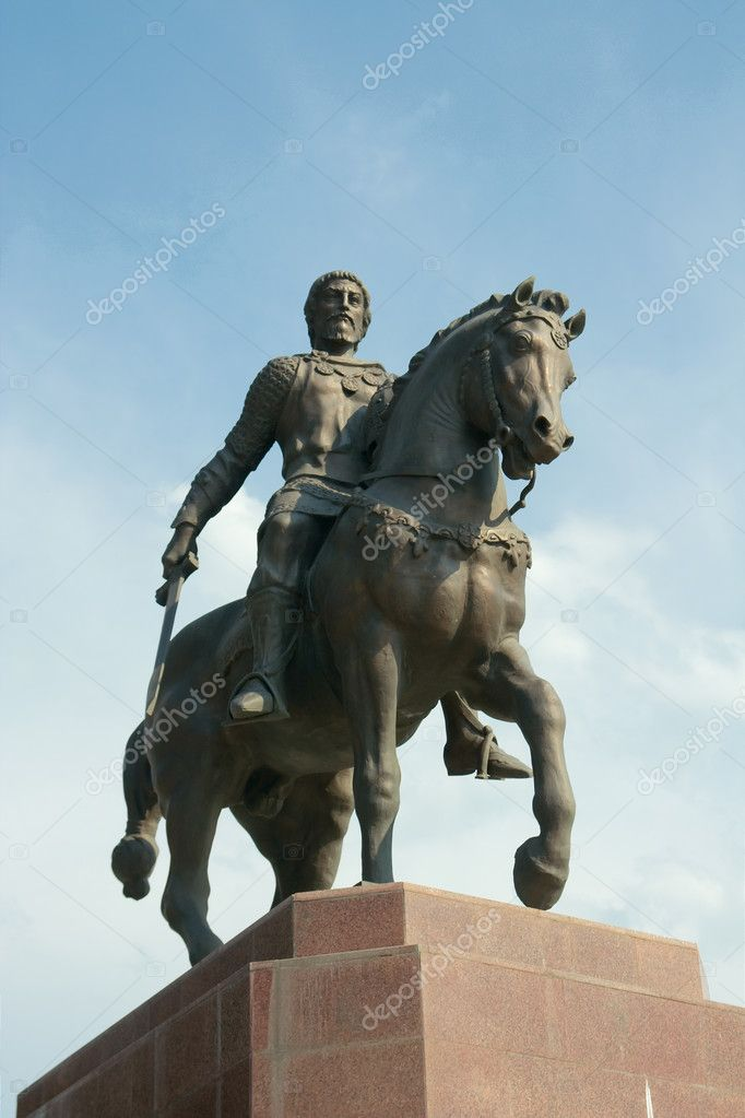 Monument to Oleg Ryazansky by Zurab Tsereteli on a Sobornaya square in Ryazan — Stock Photo #10521536