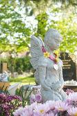 Bela estátua no cemitério inglês — Foto Stock