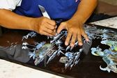 Vietnamese artisan at work — Stock Photo