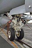 F/A 18 Hornet landing gear — Stock Photo