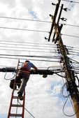 Trabalhador de electricidade — Fotografia Stock