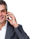 Bliska uśmiechający się biznesmen na telefon — Zdjęcie stockowe