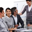 Internationale Business-Team-Interaktion bei einer Präsentation — Stockfoto #10285029