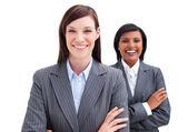 два привлекательных деловых женщин — Стоковое фото
