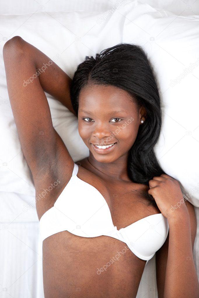 Mujer afroamericana en ropa interior de relajaci n foto de stock 10283417 depositphotos - Fotografias de mujeres en ropa interior ...